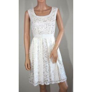 Alberta Feretti white floral lace sleeveless dress